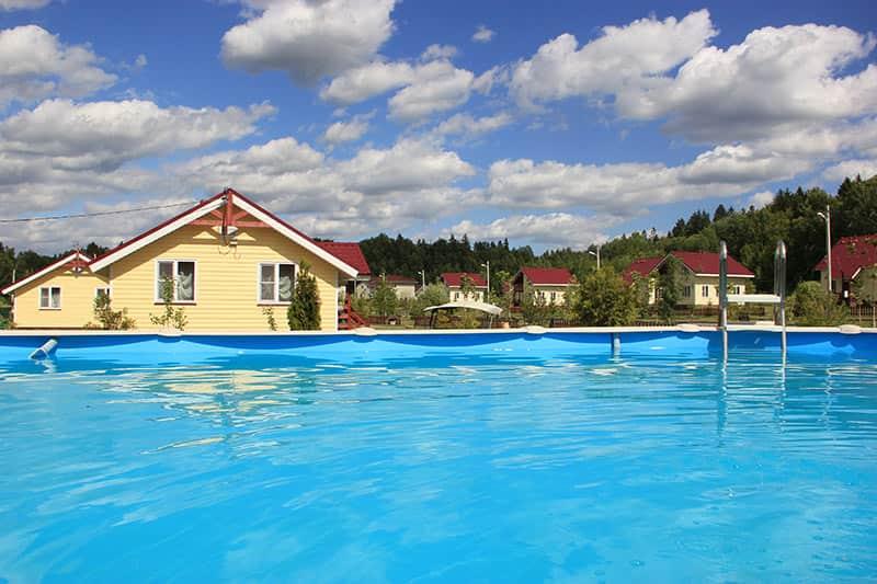 Коттедж с бассейном №20